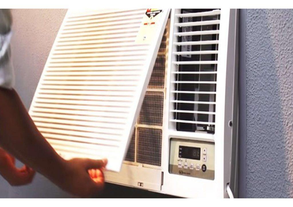como limpar ar condicionado de janela